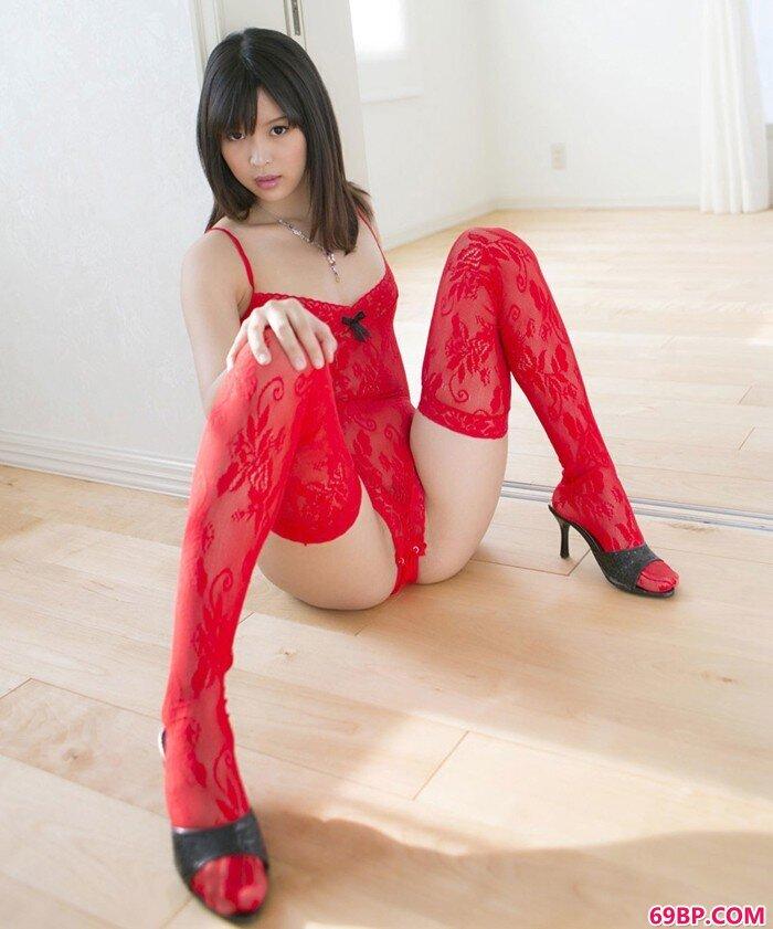 美人熟妇巨乳展现诱惑好身材_女友的粉嫩12p