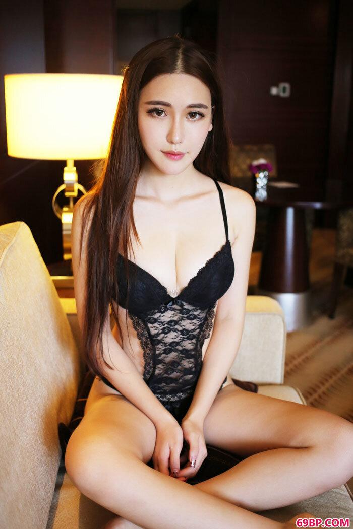 熊吖BOBO大尺度情趣泳装秀美丽巨臀_美熟妇综合15P