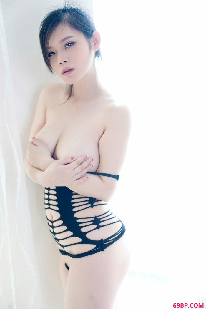 美丽尤物黎美儿情趣内衣激情四射_中国美女网
