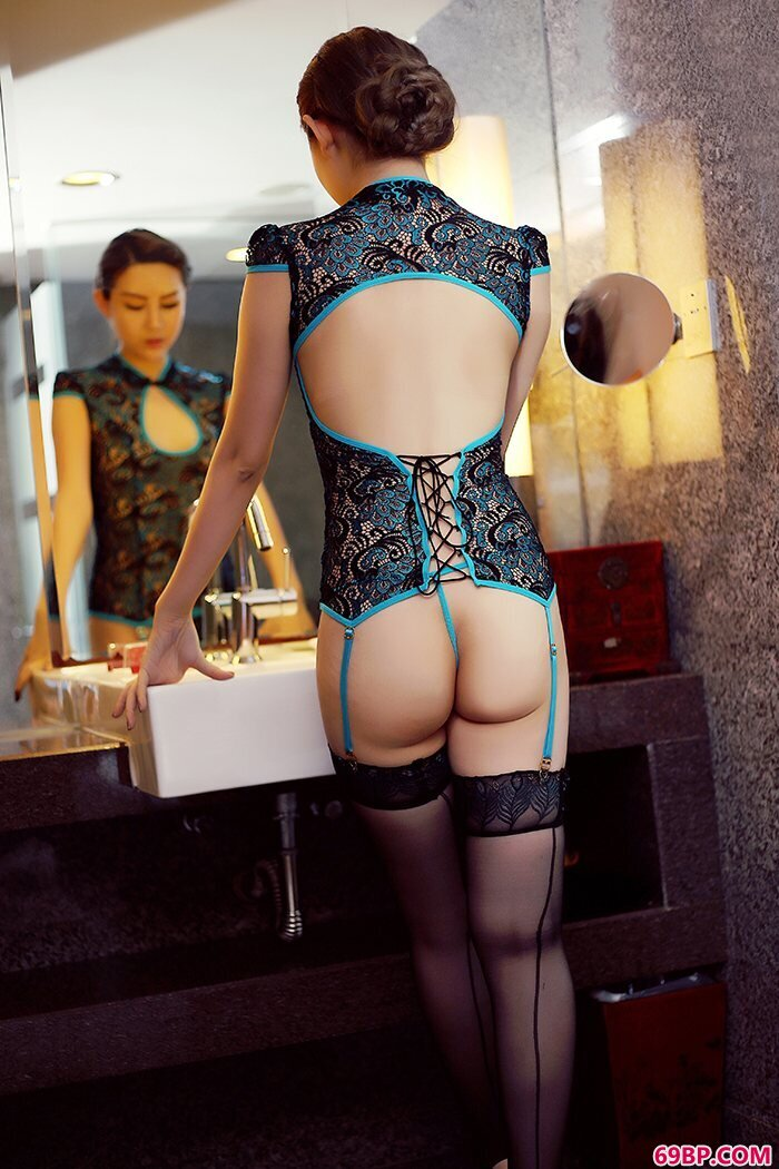 美丽猫娘格格情趣内裤勾勒动人曲线_G奶冰露巨臀