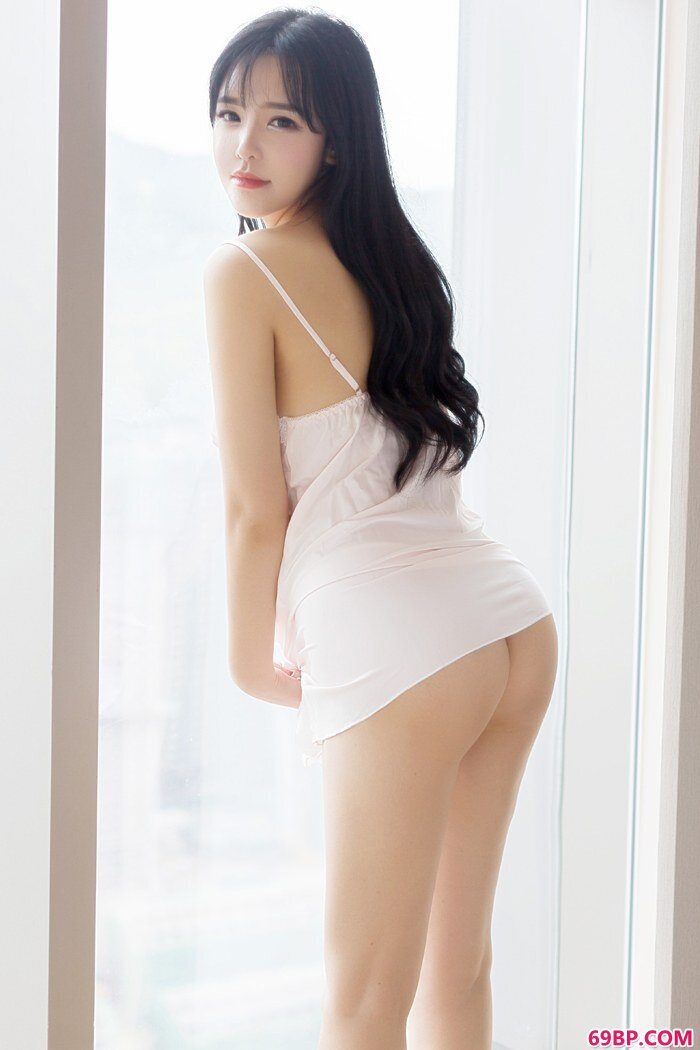魅惑淑女刘钰儿蕾丝睡衣勾人魂魄_硕大蘑菇头顶开粉嫩的小缝