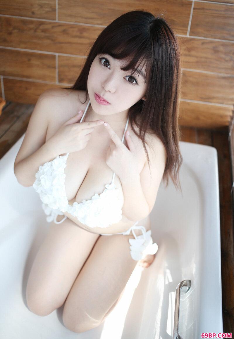 御姐刘飞儿超诱惑绝美身姿_亚洲西西人体艺木一