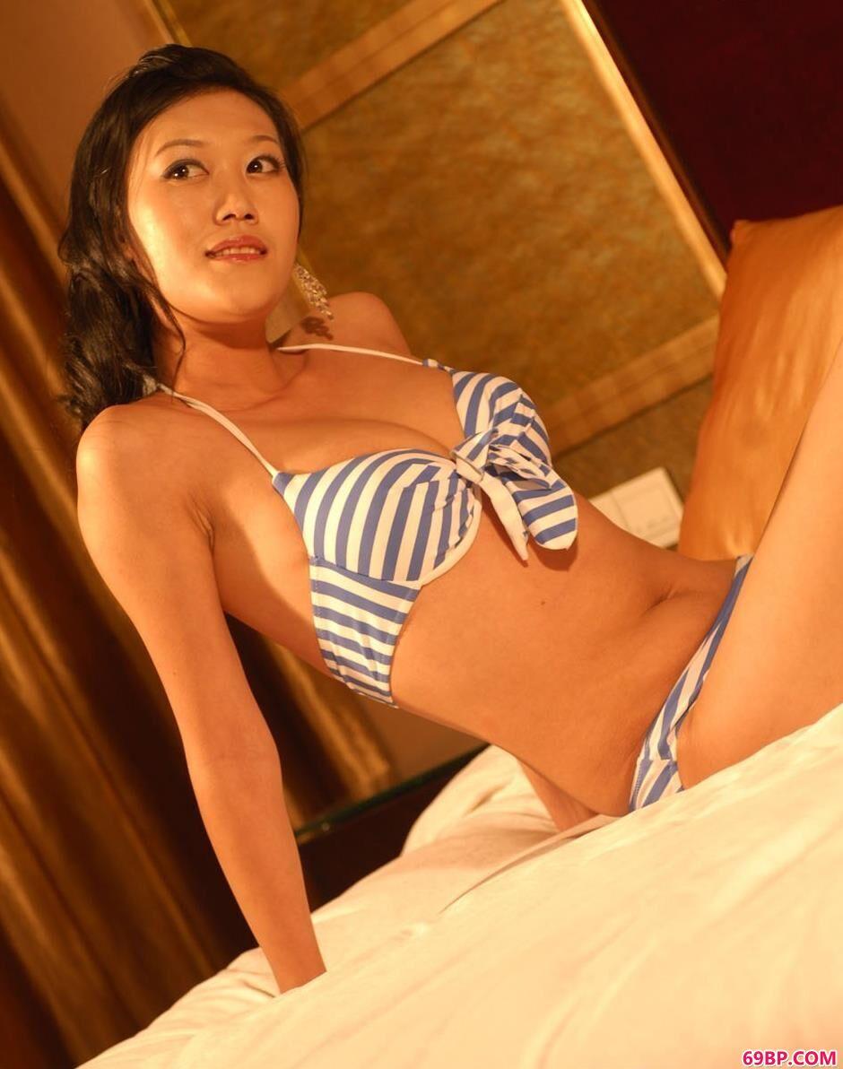 超模青青室内性感泳装人体,西西人体艺术写真网