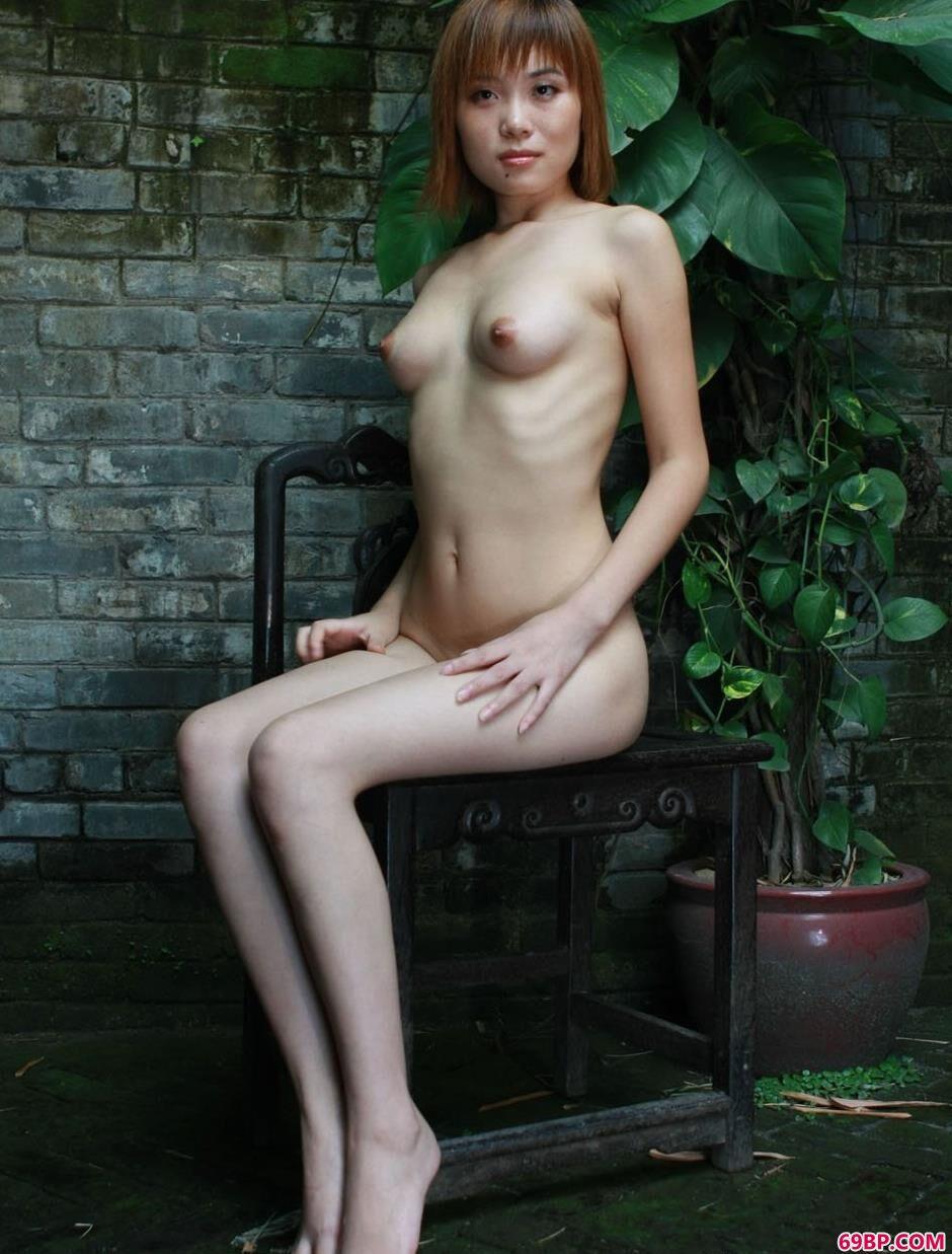 裸模凌伶农村老宅院里的魅惑美体3
