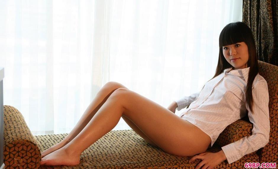 美人紫菲宾馆躺椅上的抚媚人体_被下药的护士12p
