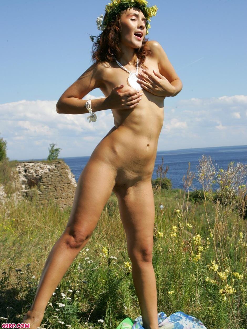 裸模欧嘉Olga碉堡前的花香美体2