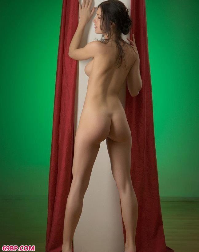 绿光下的人体超模Kitty_内衣摄影