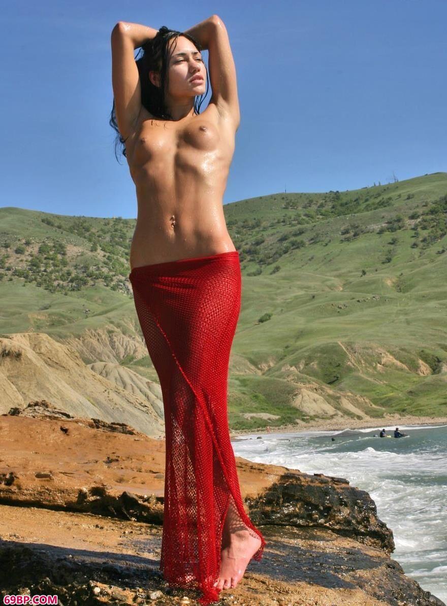 澎湃海浪中的人体2