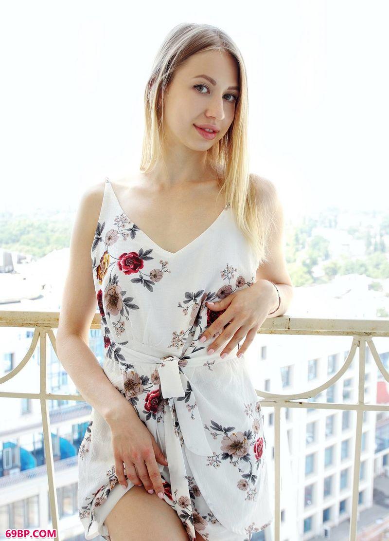 漂亮的女生Dominica,gogo全球人体高清视频